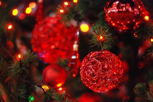 47978-Red-Christmas-Ornaments