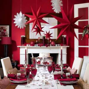 festive-christmas-table-decorations