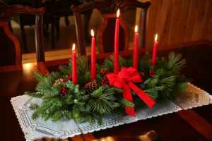 furniture-living-room-breathtaking-diy-christmas-table-decoration-ideas-home-decor-ideas-with-adorable-christmas-lights-colorful-christmas-table-centerpiece-ideas